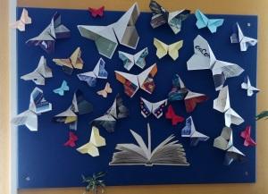 expositor origami Biblio Lleida